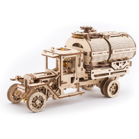 Camionul UGM 11 Cisterna