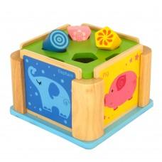Cub din lemn pentru sortarea formelor
